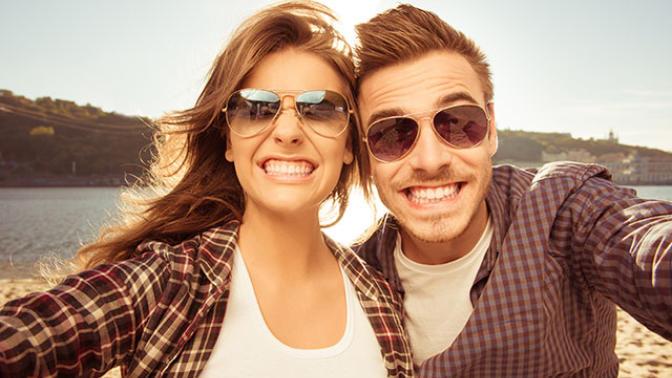 Diş Lekeleriyle Başa Çıkmanı Sağlayacak Hem Basit Hem Etkili 8 Yöntem
