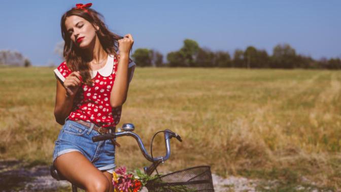 Moda Gider Stil Kalır! Tatilde Tarzınızı Konuşturacak 7 Stil Önerisi!