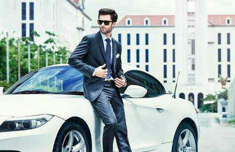 Bir erkeğin zengin olması, lüks arabalara binmesi vs  bir  bayan olarak sizin gözünüzdeki çekiciliğini arttırır mı?