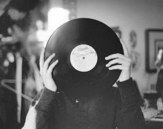 Sizi anlatan bir şarkı var mı? Varsa hangi şarkı?