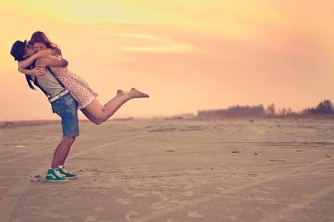 Sevgiliniz ne yaparsa ayaklarınız yerden kesilir?