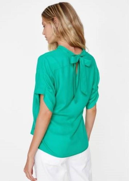 Kızlar, sizce sonbahar için en iyi gömlek modeli hangisi?