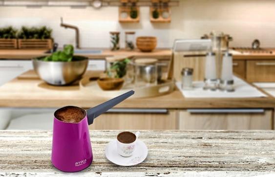 Kahve makinesi ile Türk kahvesi yapımı