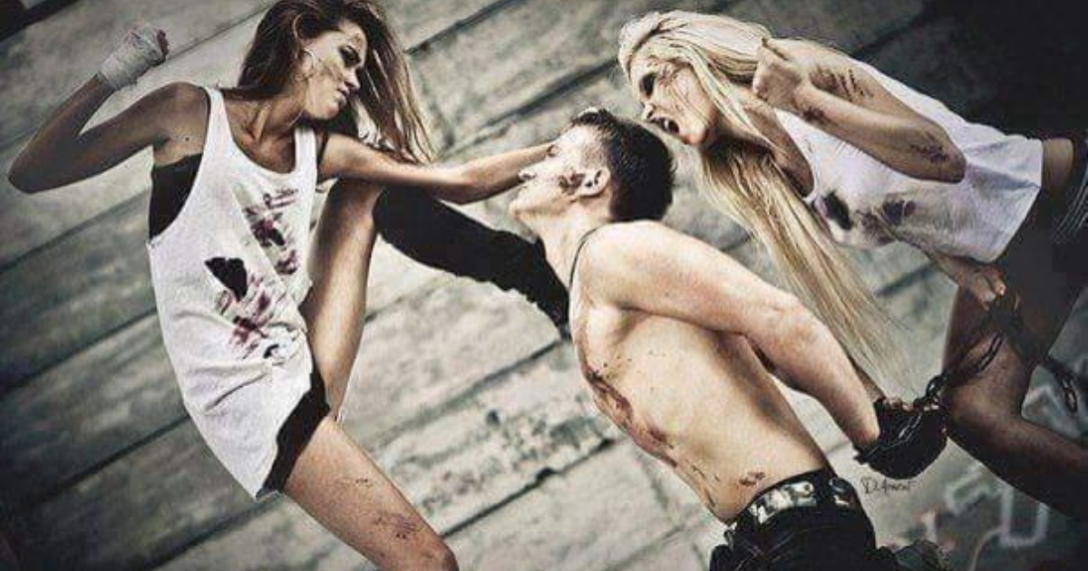 Смотреть секс девушка бьет парня — photo 14