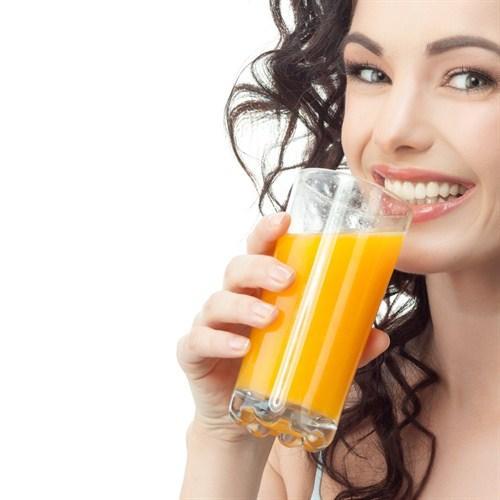 Sabah kahvaltısı sorunu yaşayanların çaresi olan meyve suyu için hangi makineyi almalıyım?