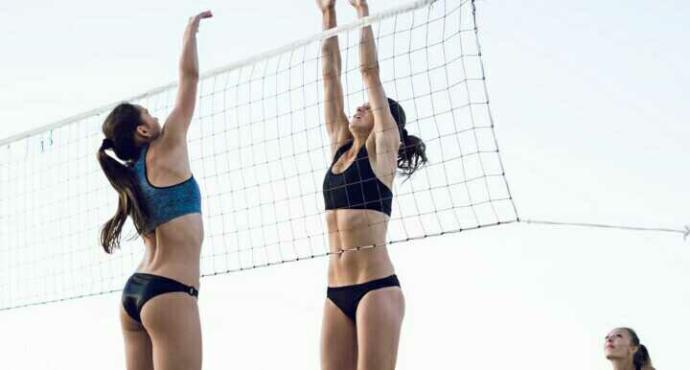 Sevgilinizin plaj voleybolu oynamasına izin verir misiniz?