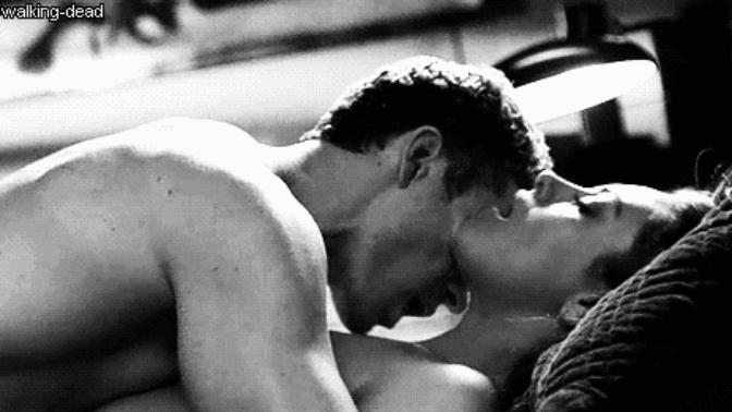 Открытки, гифки страсть любовь