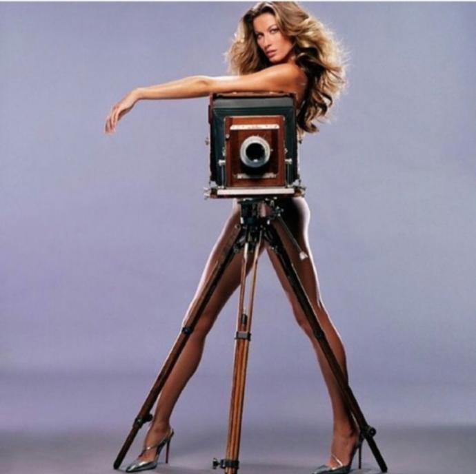 Фотограф ебет модель онлайн