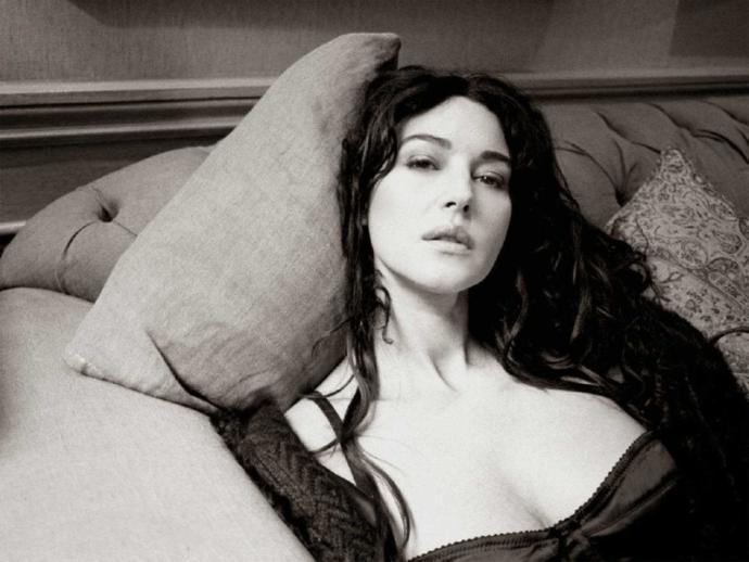 Sharon Stone mu Monica Bellucci mi daha alımlıdır?