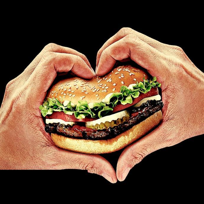 Erkeğin, yemek ve aşka karşı tavrı benzerdir. Öyleyse erkeği en iyi tanımlayan cümle hangisi?