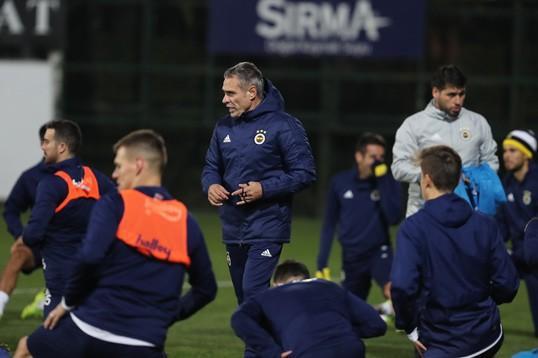 Sizce Ersun Yanal, Fenerbahçe'de başarı sağlayabilecek mi?