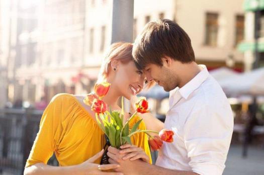 Regl döneminde sevdiğiniz karşı cins ne yaparsa mutluluktan havalara uçarsınız?