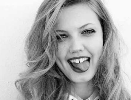 Beyler! Kızlarda hangi diş yapısı size daha çekici geliyor?