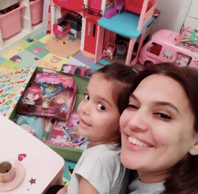 Bu ünlü Türk anne ve çocuklarından aralarındaki ilişkiyle favoriniz hangisi?