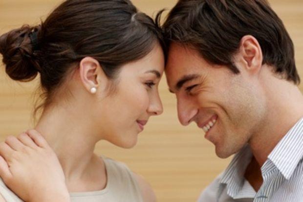 İnsanları mutlu eden; aşk evliliği mi, mantık evliliği mi?