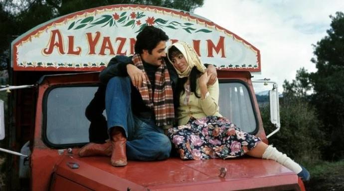 Yeşilçam'ın sevilen filmlerinden hangisini yeniden izlemekten asla sıkılmazsınız?