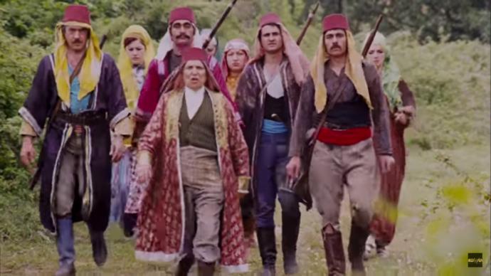 Kemal Sunal'ın Tosun Paşa Filminde '' Yeşil Vadi '' Sizce kimin hakkıydı ?
