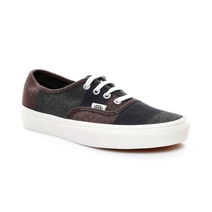 İlk bahar aylarında rahatından ödün vermemek için hangi ayakkabı tercih edilmeli?