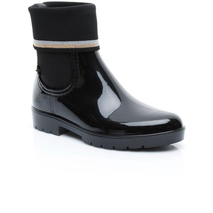İndirimler bitmeden kız kankam için ayaklarını sıcacık yapacak botlardan hangisini almalıyım?