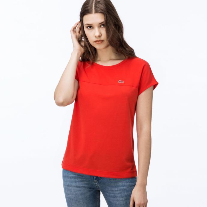 İstanbul'un güneşli günlerinde hangi t-shirt ile şıklığımı sağlayabilirim?