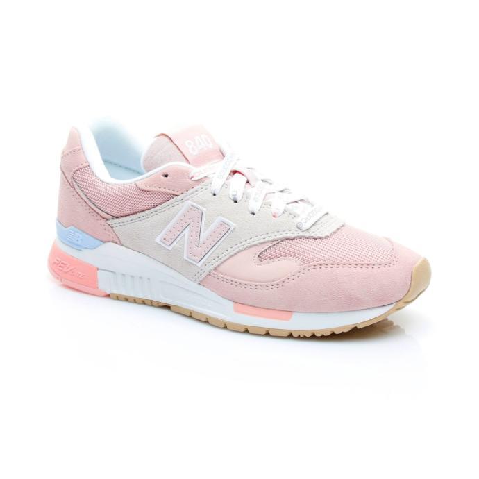 Kendini her daim prensesler gibi hisseden kızlar buraya! Bu spor ayakkabılar arasında sizin favoriniz hangisi?