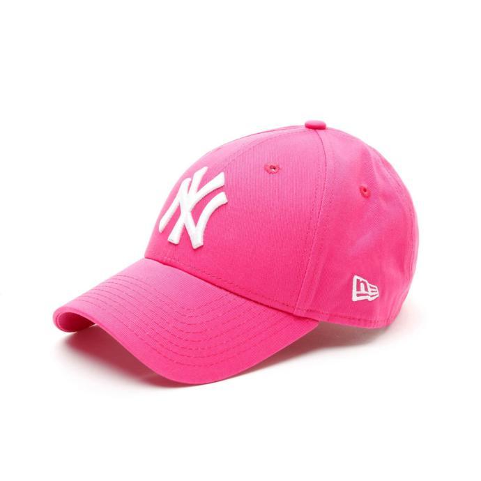 Kız arkadaşım için şapka almak istiyorum. Karar veremedim. Bana yardımcı olur musunuz?