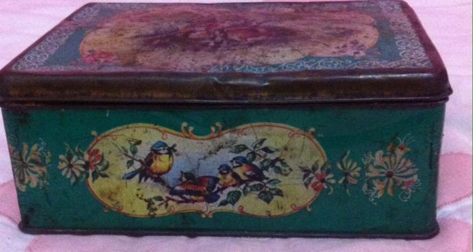 En az 50 yillik bir kutu sizce boyamaya deger mi?