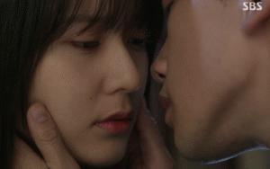 Erkekler, sizce bunlardan en güzel öpüşme hangisi?