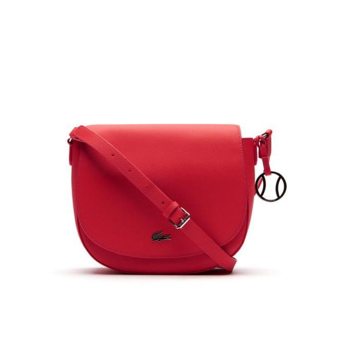 Bu çantalardan hangisinin rengi daha güzel?