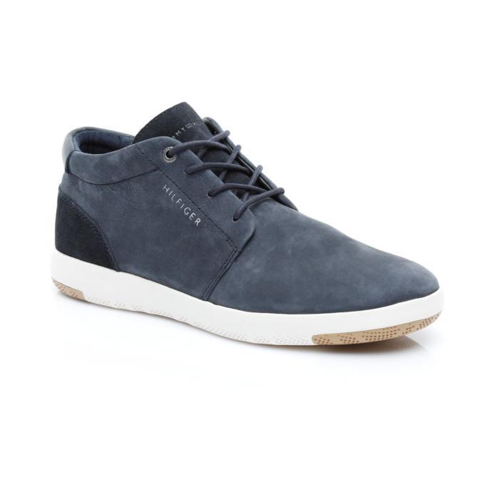 İşe gidip gelirken giymek için hangi ayakkabıyı almalıyım?