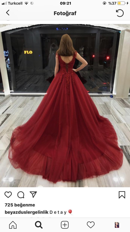 Nişan elbisem nasıl?