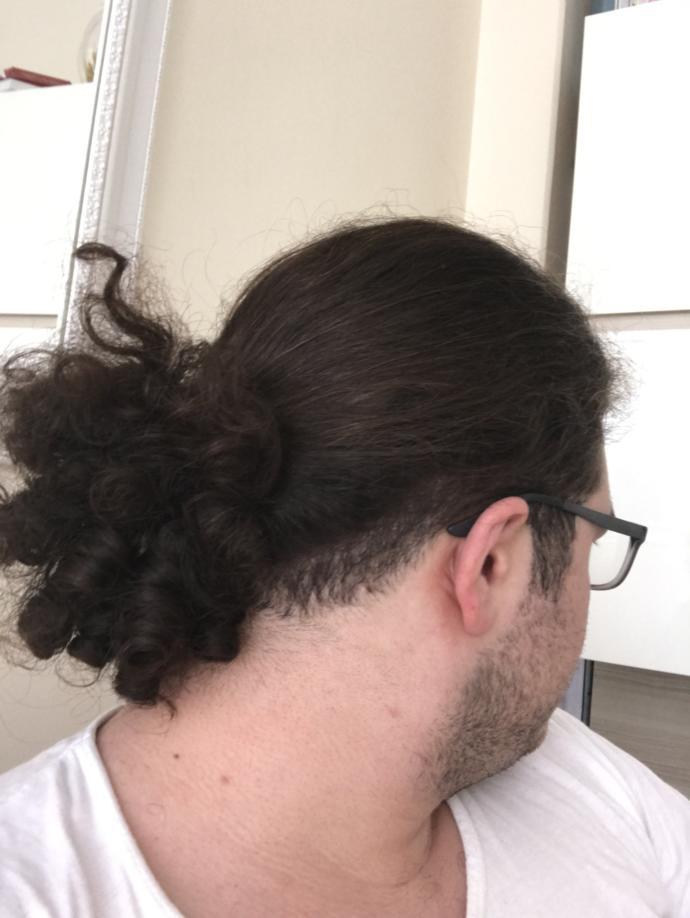 Saçımı hep bağlıyorum bu şekilde ama artık çok dökülüyor kesiyim mi sizce? ÇOOOOOKKK KIVIRCIKKKK ÇOKKK TARAYANA KADAR CANIM çıkıyo
