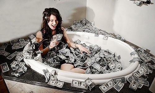 ''Deli gibi para kazanıyor