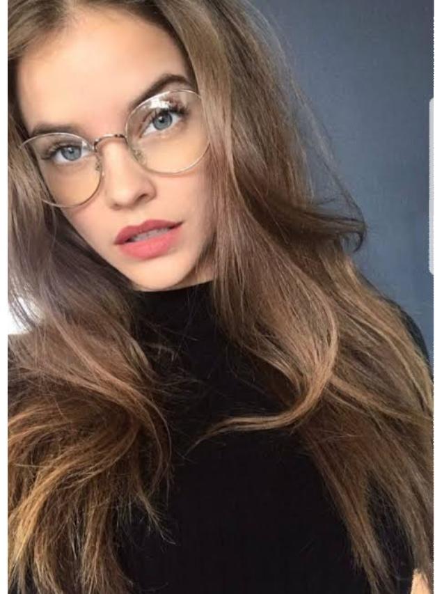Barbara Palvin, 8 Ekim 1993 tarihinde Budapeşte, Macaristan'da dünyaya gelmiş bir modeldir.