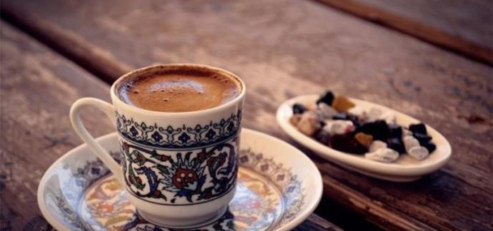 Çayı mı daha fazla seviyorsunuz yoksa Türk kahvesini mi?
