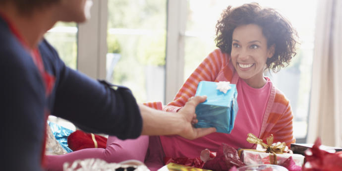 Sizce bir kadına hangi hediyeyi almak daha zordur?