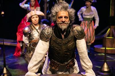 Dünya Tiyatro Günü'ne özel, tiyatro bileti ödüllü anket! Sence yılın en iyi tiyatro oyunu hangisi?