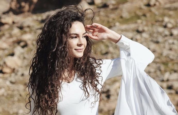 Bu ünlü Türk kadın oyunculardan hangisi duru güzelliğiyle hayran bıraktırıyor?