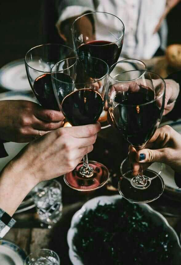 Şarap sever misin?