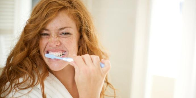Dişlerinizi yemekten ne kadar süre sonra fırçalıyorsunuz?