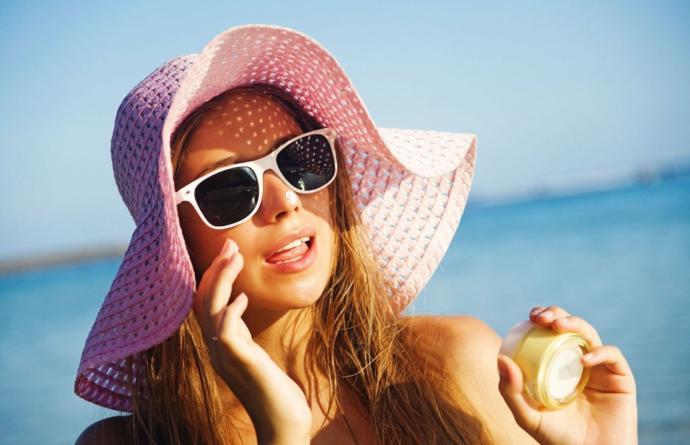 Yaz yaklaşıyor: Güneşin etkilerini azaltmak için hangi tür kremleri tercih ediyorsunuz?