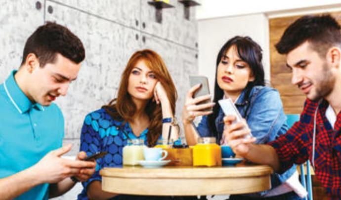 Sevgiliniz sosyal medyada karşı cinsle samimi olsa tepkiniz ne olur?