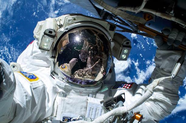 Ay'a ayak basan ilk Türk olsanız sosyal medyada ilk paylaşımınız ne olurdu?