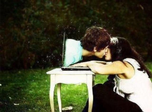 Sevgili ile sabahlara kadar yazışmak mı, yoksa rüyalarda onunla buluşmak mı?