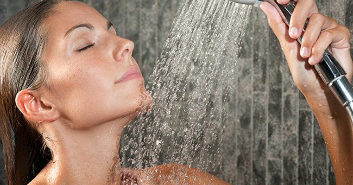 Average women showering — pic 5