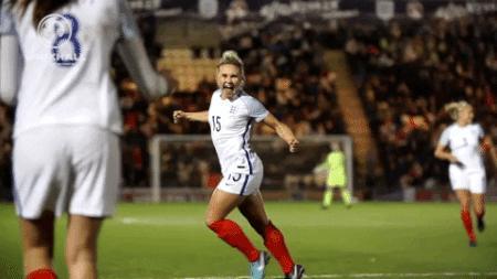 Futbol oynayan kadınların ön yargıları yıktığının kanıtı sence hangisi?