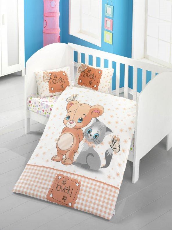 Bu bebek nevresim setlerinden hangisinin deseni daha tatlı duruyor?