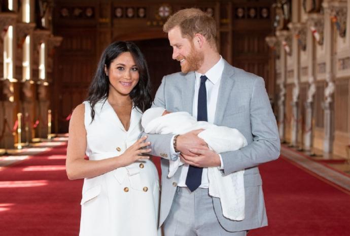 İşte Meghan Markle ve Prens Harry'nin Bebeklerinin İlk Fotoğrafı. Çocuk bir kral mı?