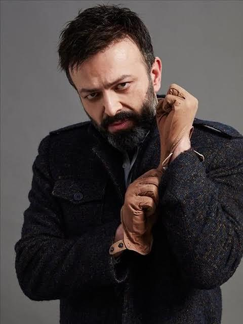 Türk dizilerinde kötü karakterlere sempati duyulur, peki sizin favori karakteriniz kim ?