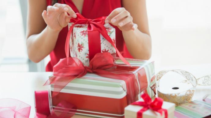 Yeni taşınan kız arkadaşınıza ev hediyesi olarak hangisini götürmek istersiniz?